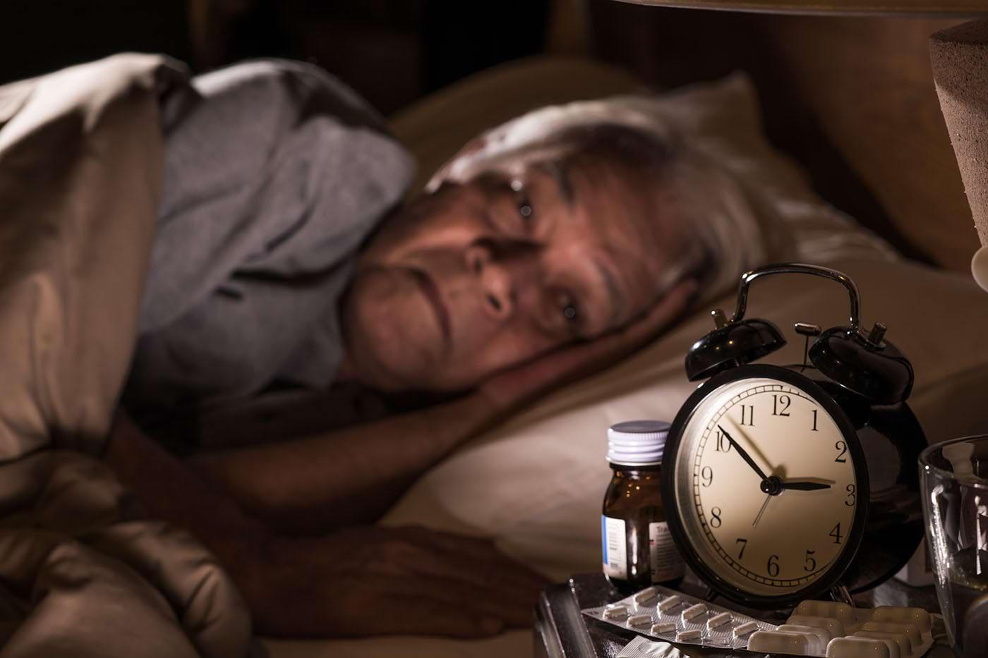 Insomniile: ce afecțiuni și stări le pot cauza?