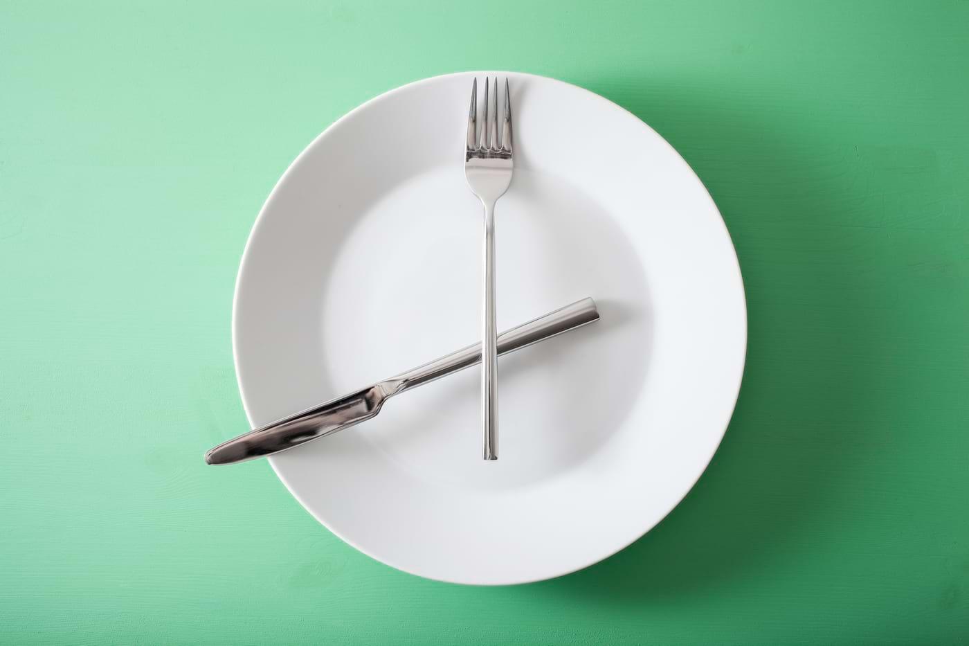Care sunt avantajele şi dezavantajele unei diete de tip fasting