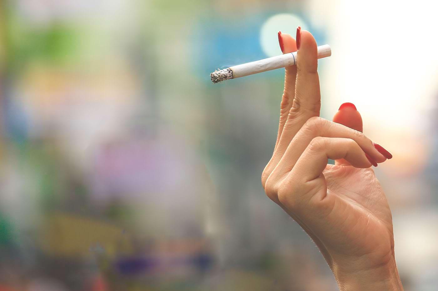 Efectele fumatului la femei: risc mai mare de a dezvolta demență (studiu)