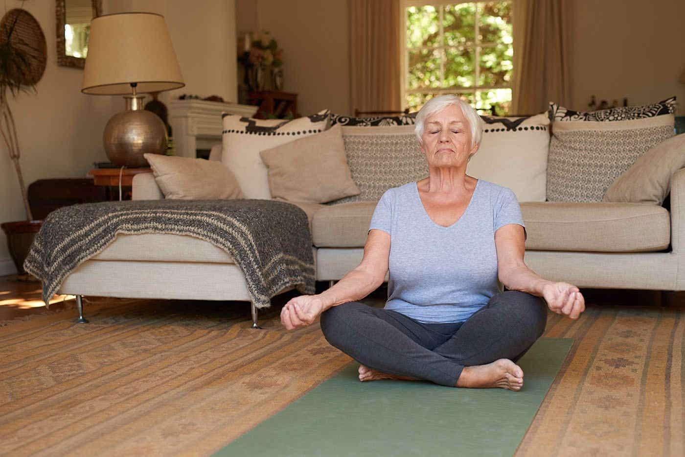 O stare de spirit bună pe termen lung contribuie la păstrarea funcției cognitive (studiu)
