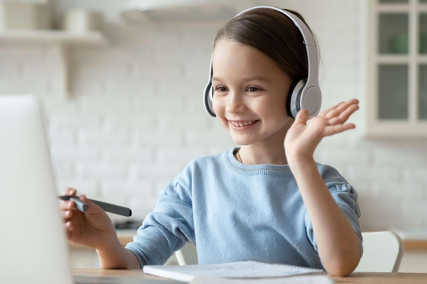 Terapia comportamentală online, eficientă pentru copii și adolescenți cu tulburare obsesiv-compulsivă