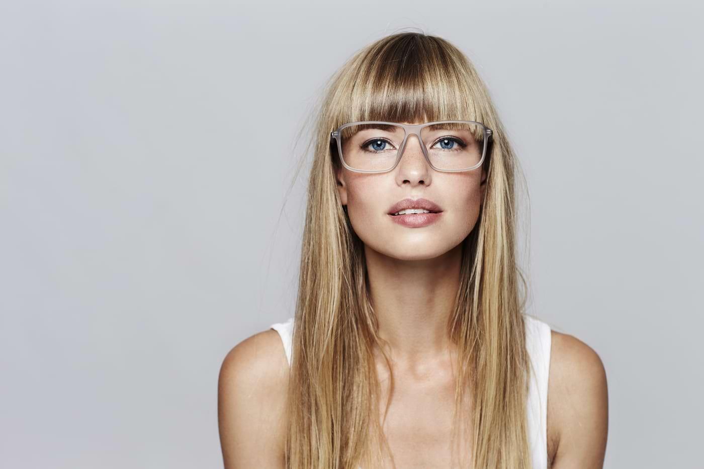 Cum alegi rama de ochelari potrivită fizionomiei tale?