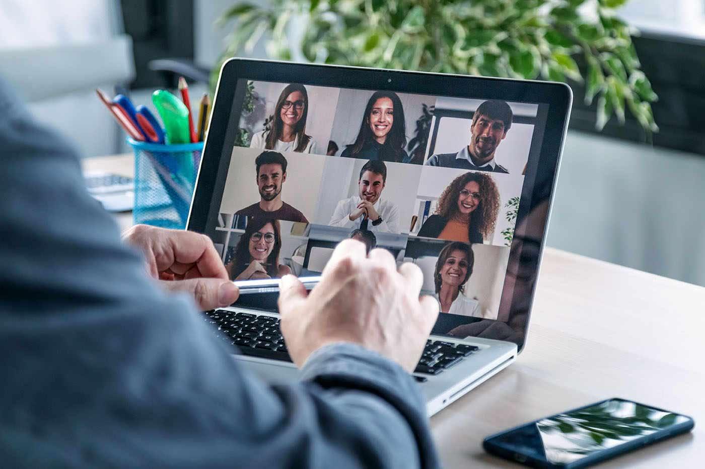 Loc de muncă de acasă: cum îmbunătățești colaborarea cu colegii?