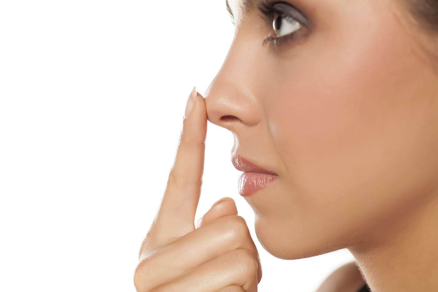 Piele înroșită în jurul nasului: cauze și remedii