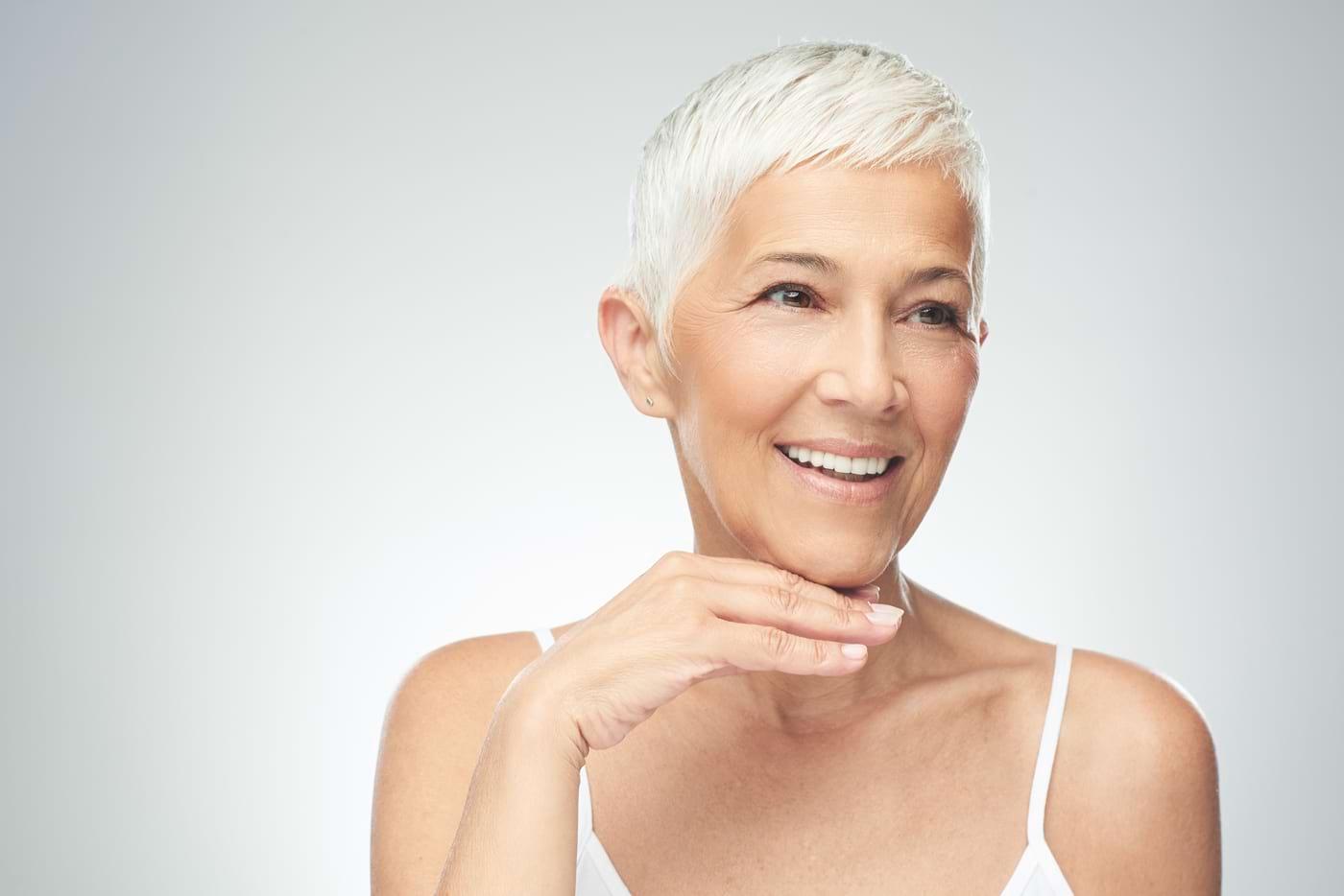 Când trebuie să iei suplimentele anti-aging? Înainte, între sau după mese?