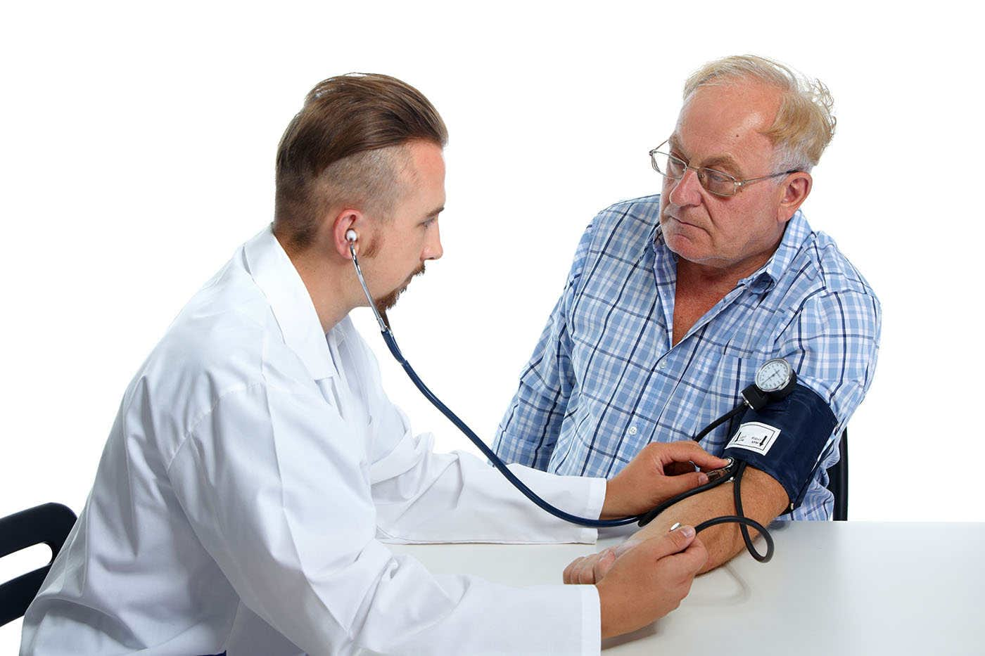 Hipertensiunea nocturnă, risc mai mare de Alzheimer
