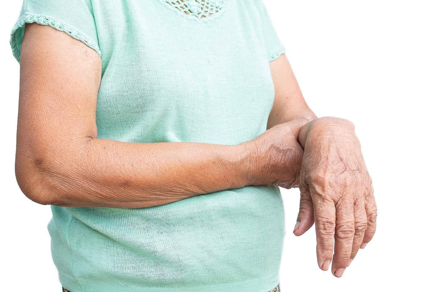 De ce apare slăbiciunea musculară la vârstnici?