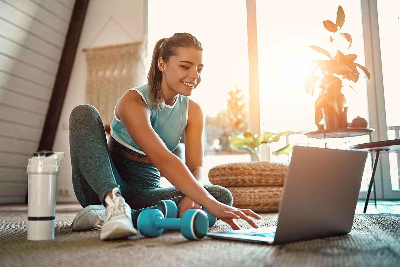 Trenduri în fitness în 2021. Cum s-a schimbat modul în care facem mișcare?