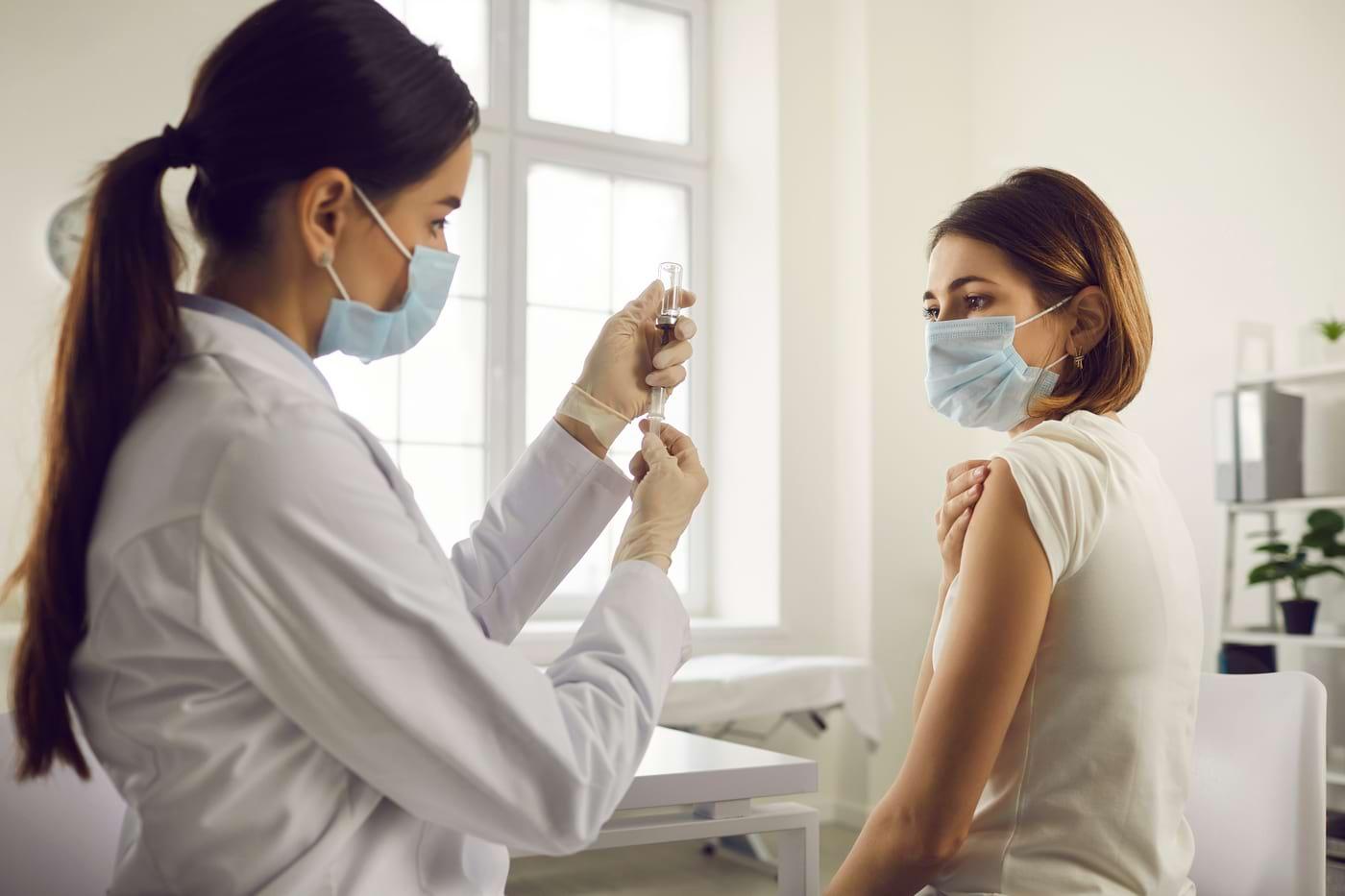 Cele mai importante întrebări despre a treia doză de vaccin COVID-19