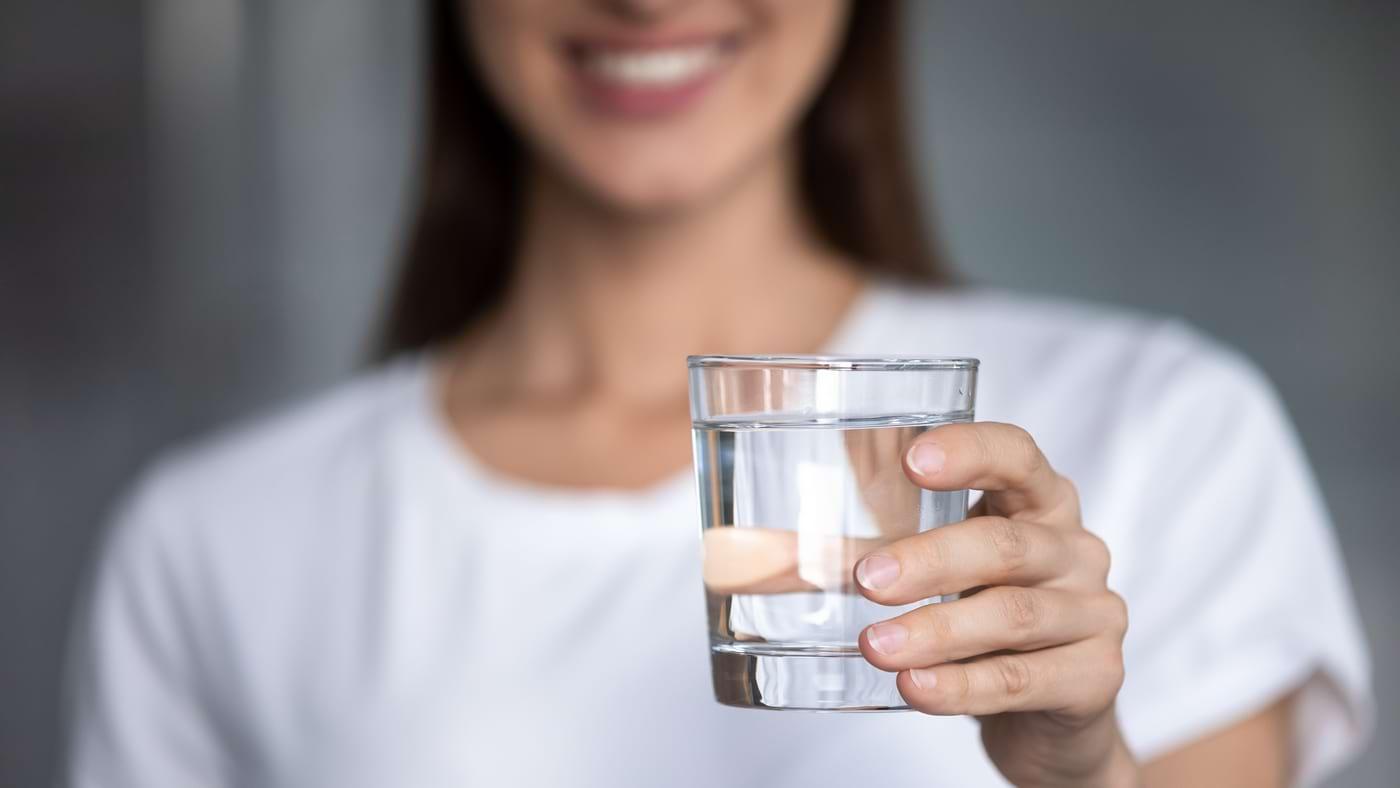 Consumul de apă ar putea ajuta la prevenirea insuficienței cardiace (studiu)