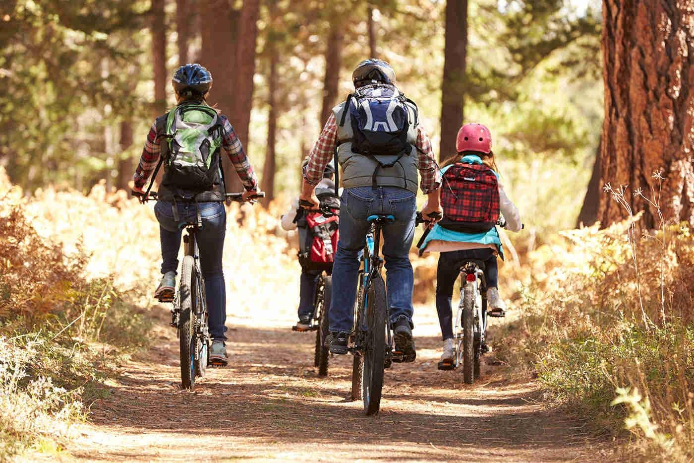 Beneficiile mersului pe bicicletă și recomandări pentru toate vârstele