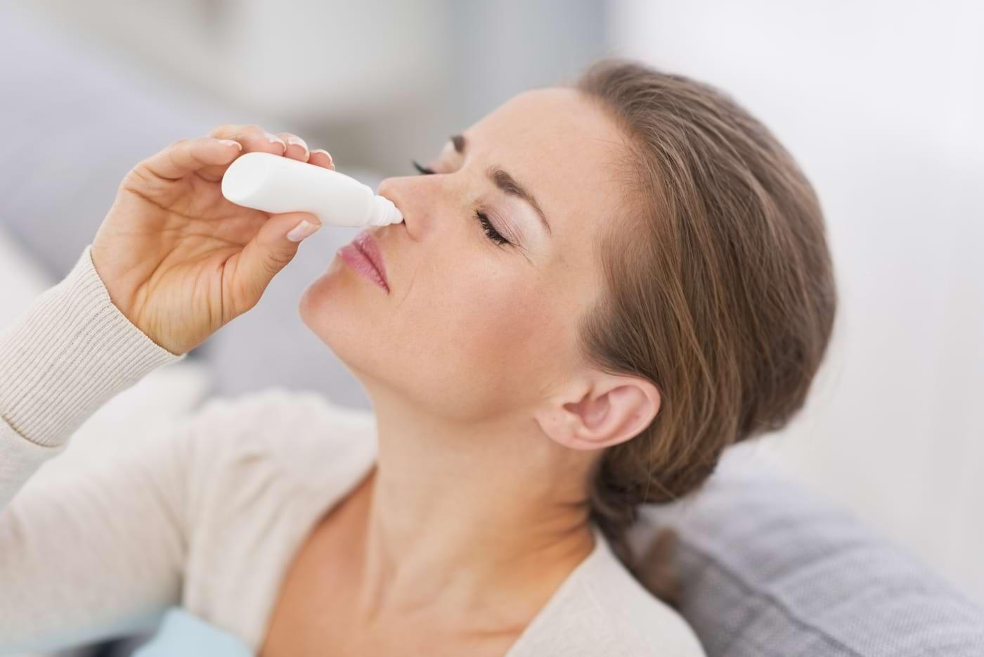 Picăturile nazale cu vitamina A ar putea ajuta la recuperarea mirosului pe termen lung la cei infectați cu COVID-19