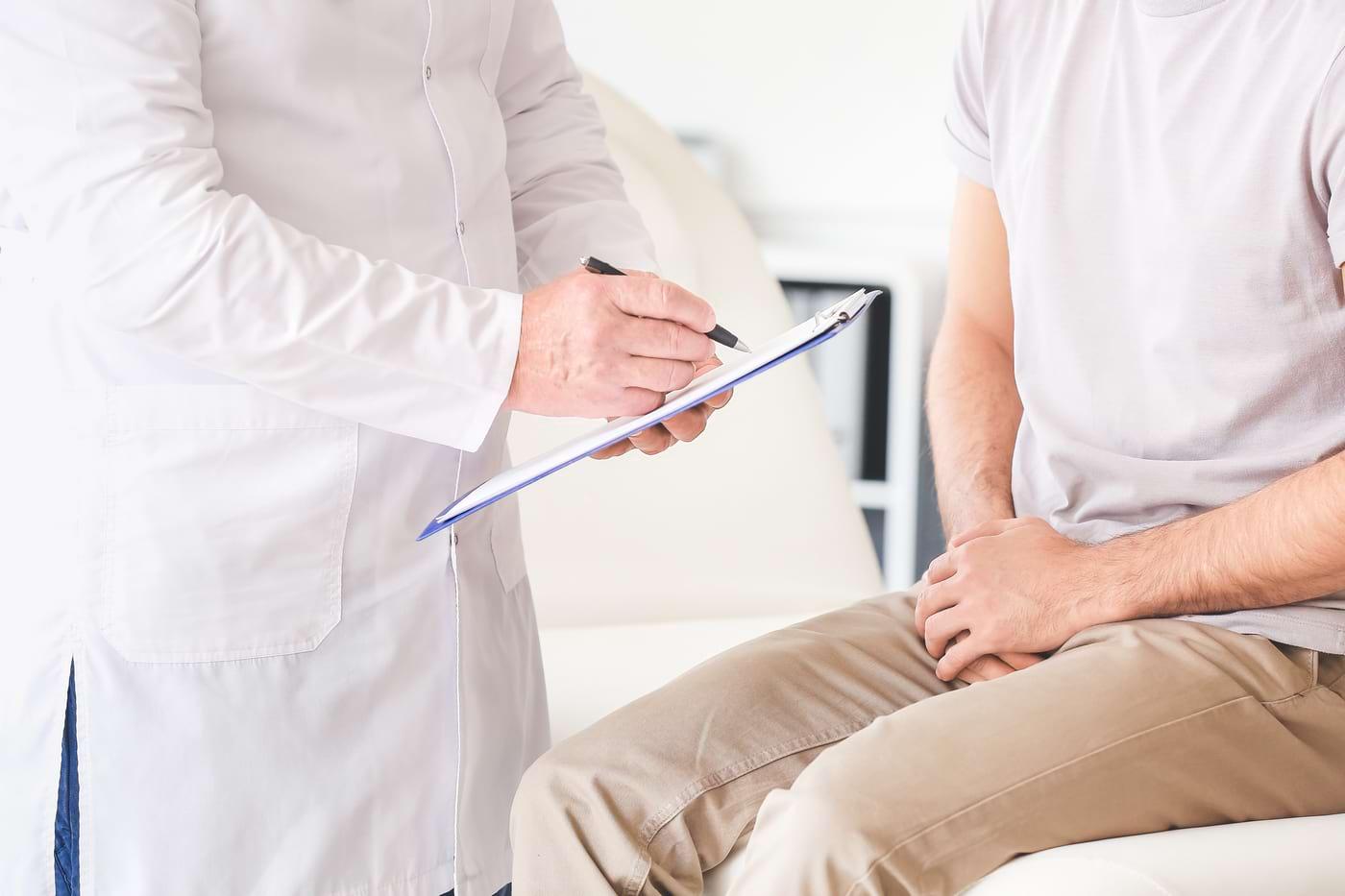 Testiculul retractil: simptome, cauze și tratament