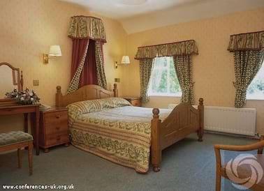 Cross Lanes Country Hotel Wrexham