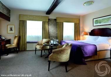 Macdonald Bear Hotel Woodstock