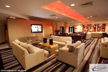 Ramada Plaza Lounge