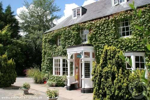 Marsh Farm Hotel Swindon