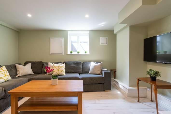 1 ashville road - living room
