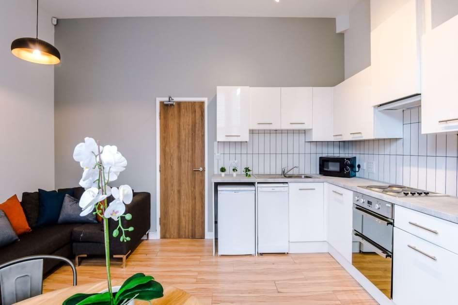 SHF2 - Living Area / Kitchen