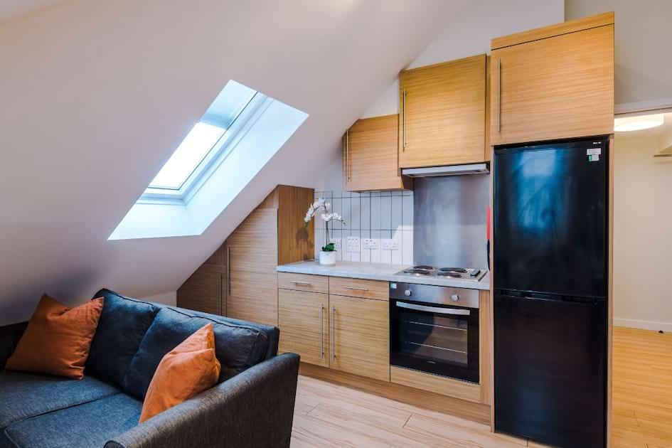 SHF9 - Living Area / Kitchen